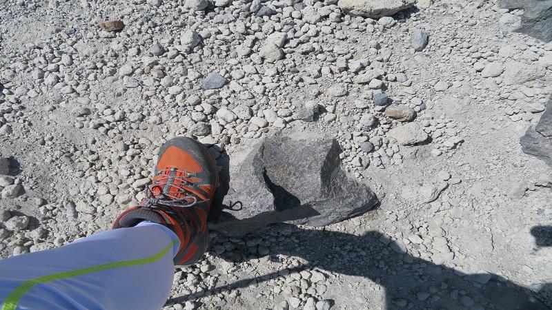 火山灰層は滑る