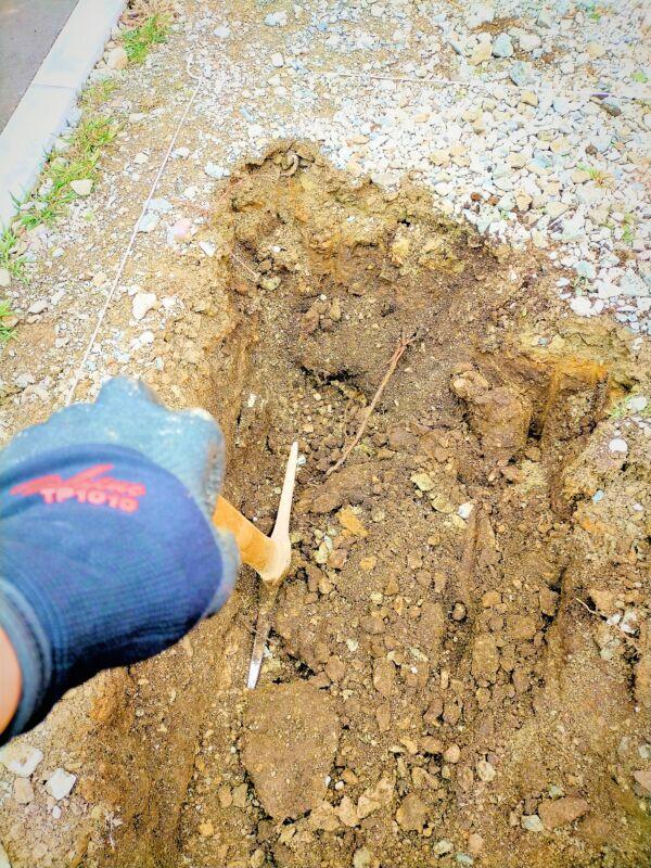 ダイローブで庭掘り