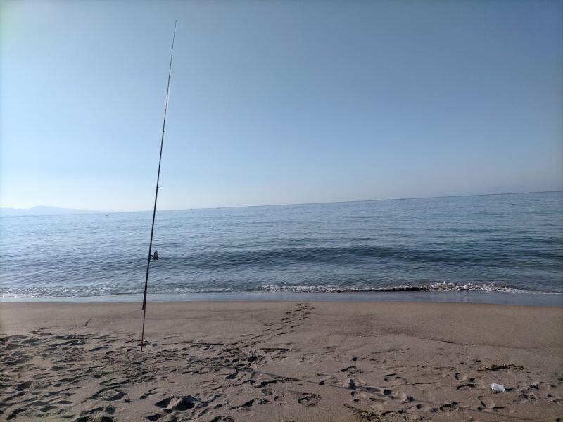 キャンプ場で投げ釣り