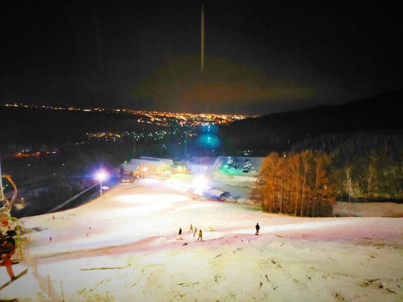 シーズン始めのスキー場